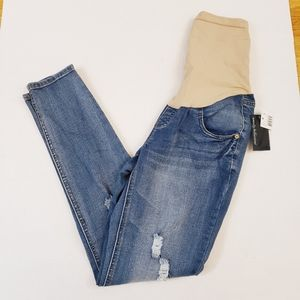 Wendy Bellissimo Distressed Maternity Skinny Jeans